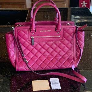 Handbags - Like new Michael Kors Selma quilted satchel